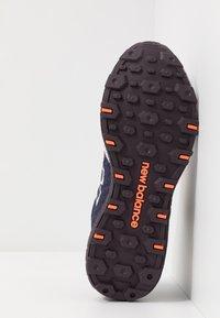 New Balance - FRESH FOAM CRAG - Zapatillas de trail running - red - 4