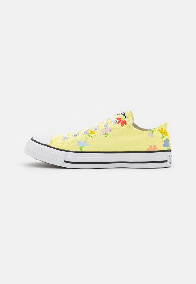 CHUCK TAYLOR ALL STAR GARDEN PARTY PRINT - Trainers - light zitron/black/white