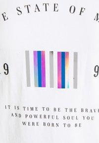 ONLY - ONLKITA LIFE  - Print T-shirt - bright white - 2