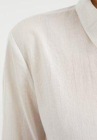WE Fashion - Button-down blouse - white - 4