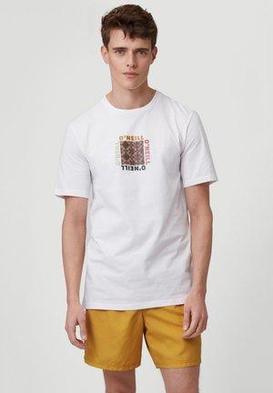 TEES CENTER TRIIBE T-SHIRT - Print T-shirt - powder white
