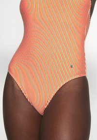 ONLY - ONLKITTY SWIMSUIT - Maillot de bain - red clay/cloud dancer - 3