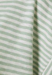 Marc O'Polo DENIM - SHORT SLEEVE WIDE BODYSHAPE VNECK - Print T-shirt - mint - 2