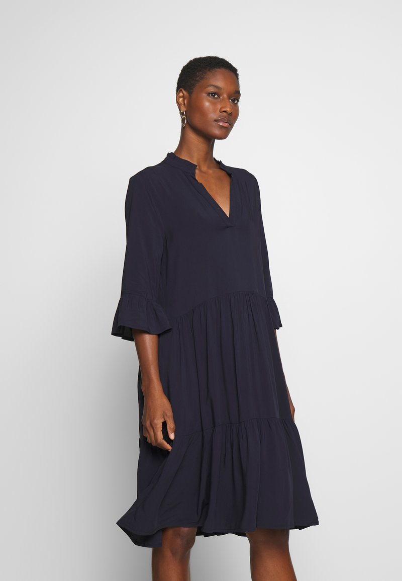 Saint Tropez - EDASZ SOLID DRESS - Hverdagskjoler - blue deep