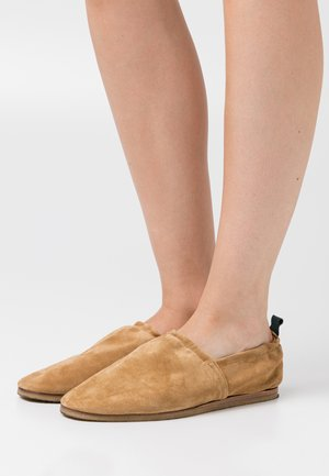 SESAME - Slip-ons - light brown