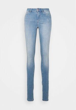 ONLBLUSH LIFE MID - Jeans Skinny Fit - light blue denim