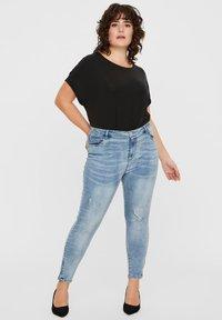 Vero Moda Curve - Jeans Skinny Fit - medium blue - 1