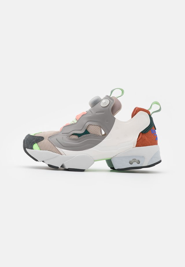 INSTAPUMP FURY  - Sneakers basse - ceramic pink/baked earth/twisted coral