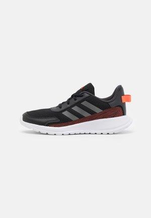 TENSAUR RUN UNISEX - Obuwie do biegania treningowe - core black/footwear white
