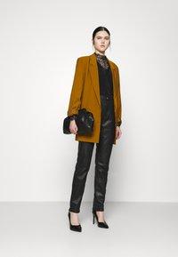 Vero Moda - VMKAKO - Long sleeved top - black - 1