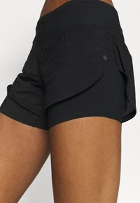 Under Armour - RUSH STAMINA SHORT - Sports shorts - black - 5
