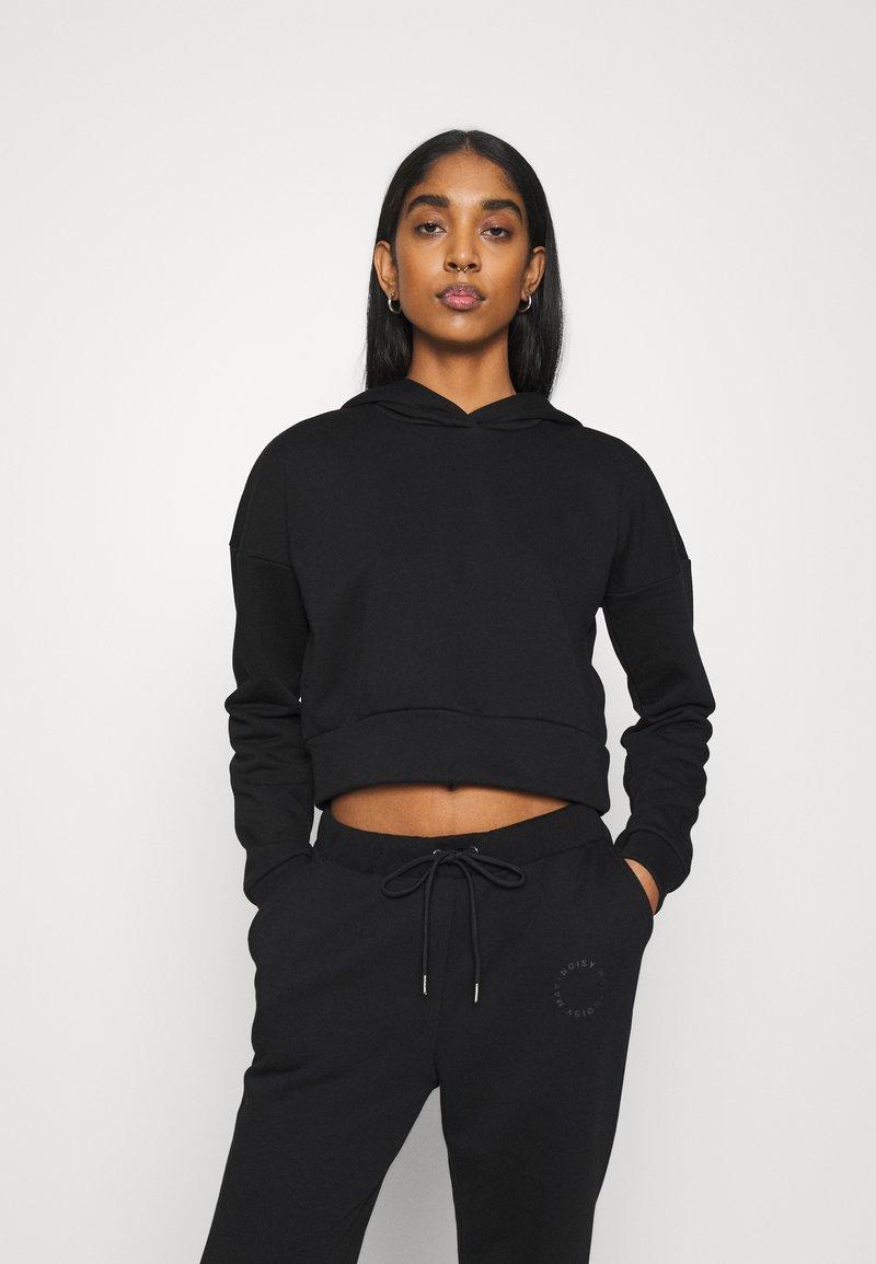 Noisy May - NMLUPA CROP HOOD - Sweatshirt - black