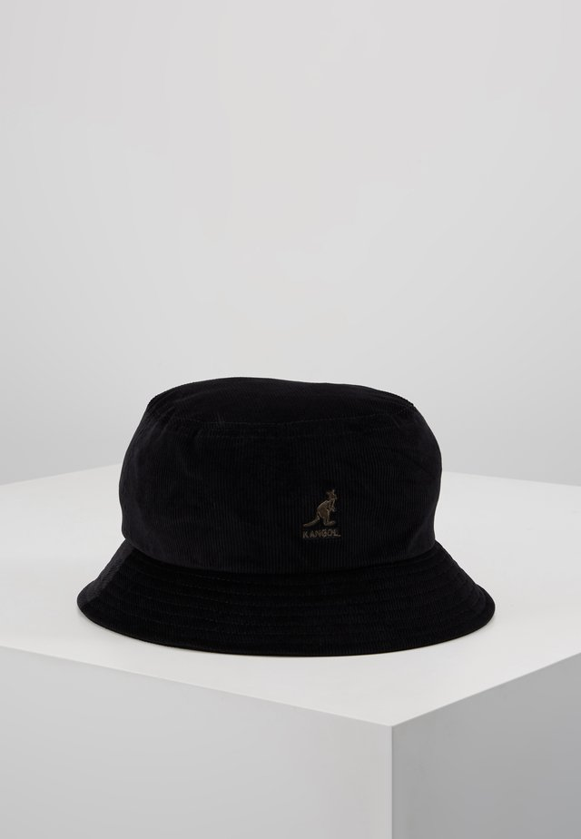 BUCKET - Čepice - black