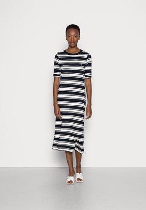 STRIPED DRESS - Sukienka z dżerseju - evening blue