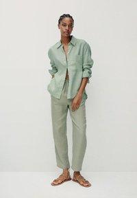 Mango - Button-down blouse - grün - 1