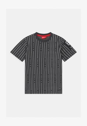 TAYLOR UNISEX - T-shirt z nadrukiem - magnet