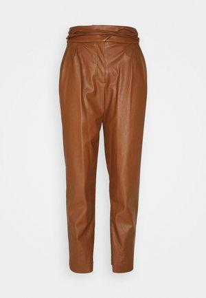 RAPITO PANTALONE - Trousers - cognac