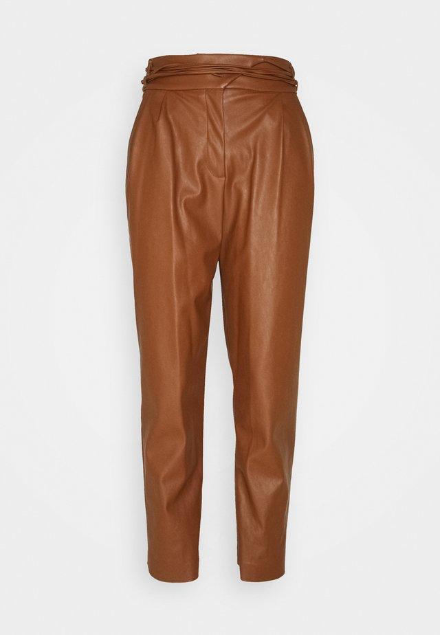 RAPITO PANTALONE - Spodnie materiałowe - cognac