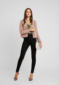 Vero Moda - VMSANDRA - Jeans Skinny Fit - black - 1