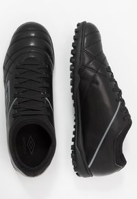 Umbro - MEDUSÆ III CLUB TF - Astro turf trainers - black/carbon - 1