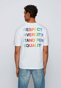 BOSS - TLOVE  - Print T-shirt - natural - 2