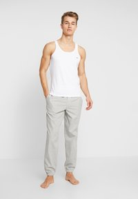 Diesel - UMTK-JOHNNYTHREEPACK SINGLET 3 PACK - Undershirt - grey/black/white - 1