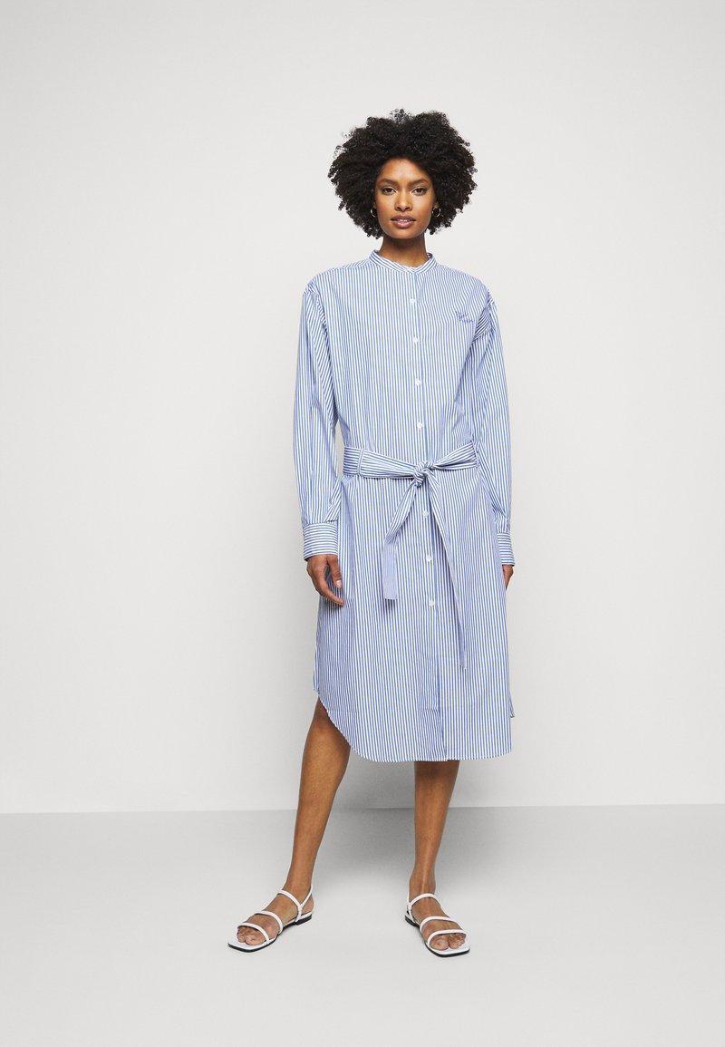 Maison Labiche - DRESS GOOD VIBE - Shirt dress - white/blue