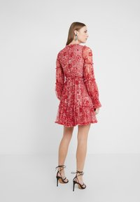 Needle & Thread - ANYA EMBELLISHED DRESS - Denní šaty - cherry red - 2