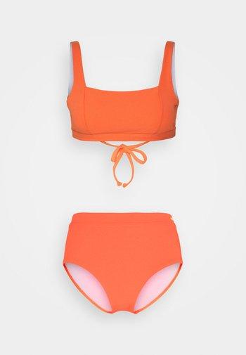 BUSTIER SET - Bikini - lobster
