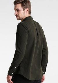 Farah - BREWER SLIM FIT - Skjorte - evergreen