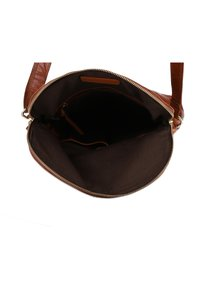 Gusti Leder - Across body bag - honey brown - 3