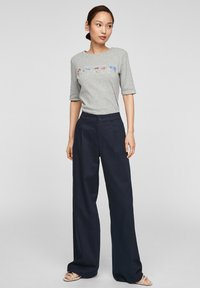 s.Oliver - Print T-shirt - grey melange power print - 1