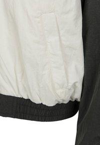 Urban Classics - CRINKLE BATWING  - Training jacket - black/white - 5