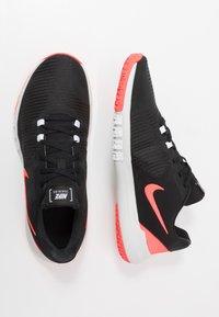 Nike Performance - FLEX CONTROL TR4 - Sports shoes - black/laser crimson/white/photon dust - 1