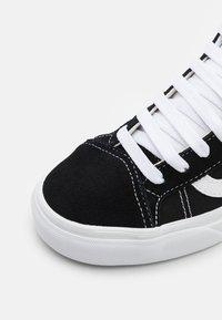 Vans - MID SKOOL 37 UNISEX - Baskets montantes - black/true white - 5
