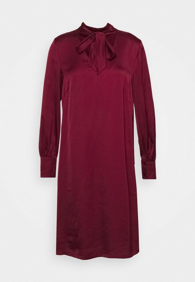 DRESS - Cocktailkjole - bordeaux/red
