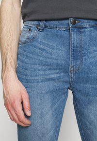 Newport Bay Sailing Club - Straight leg jeans - light wash - 4