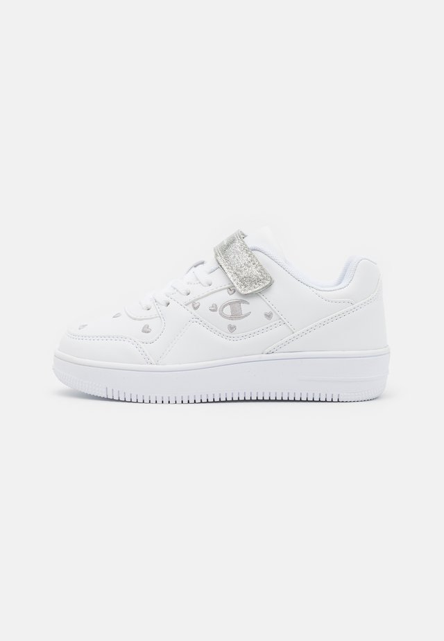 LOW CUT SHOE REBOUND - Chaussures de basket - white