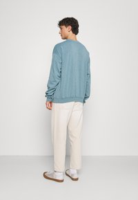 BDG Urban Outfitters - BOW  - Tapered-Farkut - ecru - 2