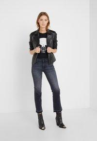 KARL LAGERFELD - IKONIK - T-shirts med print - black - 1