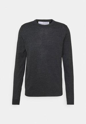 SLHTOWN MAX CREW NECK - Stickad tröja - medium grey melange