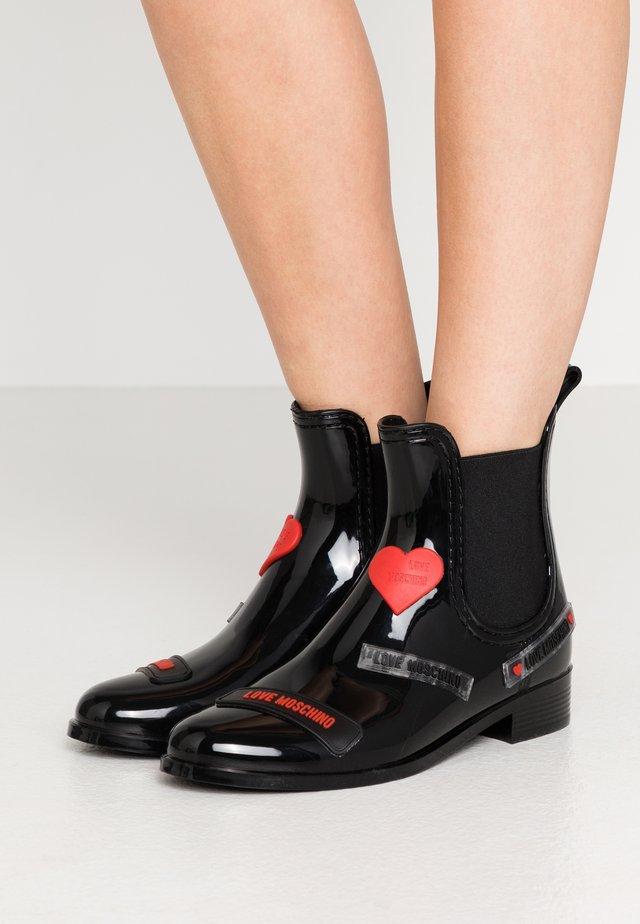 RAIN LOVE TAG - Bottes en caoutchouc - black