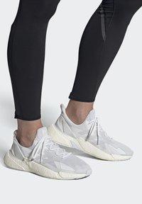adidas Performance - Tenisky - crywht/ftwwht/crywht - 0