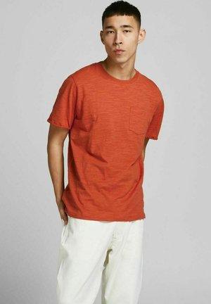 Basic T-shirt - mecca orange