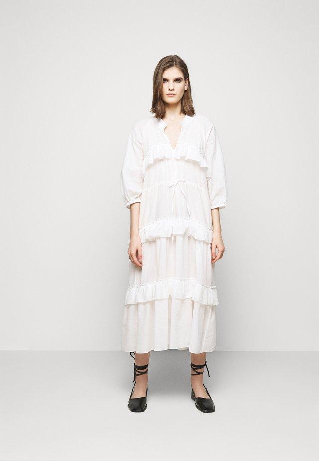 BERENICE - Korte jurk - white