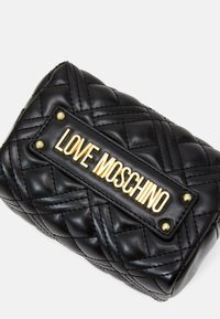 Love Moschino - NEW SHINY QUILTED - Wash bag - black - 3