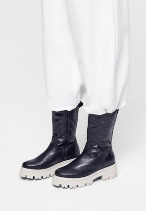 Platform boots - blk/antelope