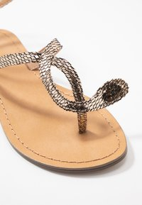 Tata Italia - T-bar sandals - gold - 2