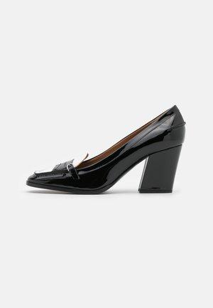 Classic heels - black/white