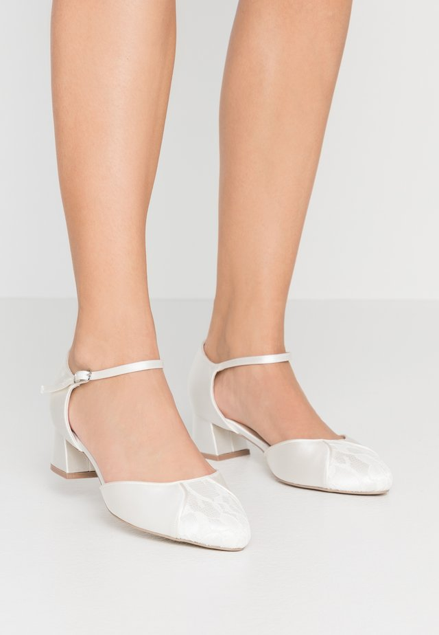 WIDE FIT AGATHA - Bridal shoes - ivory